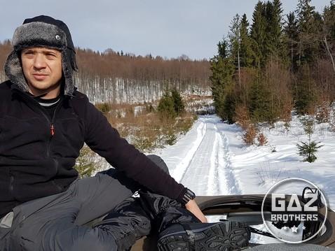 Tomasz Bolimowski na dachu Stara 266 (zima)