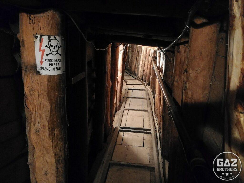 """Tunel życia w Sarajewie zwany """"Tunel of Live"""""""